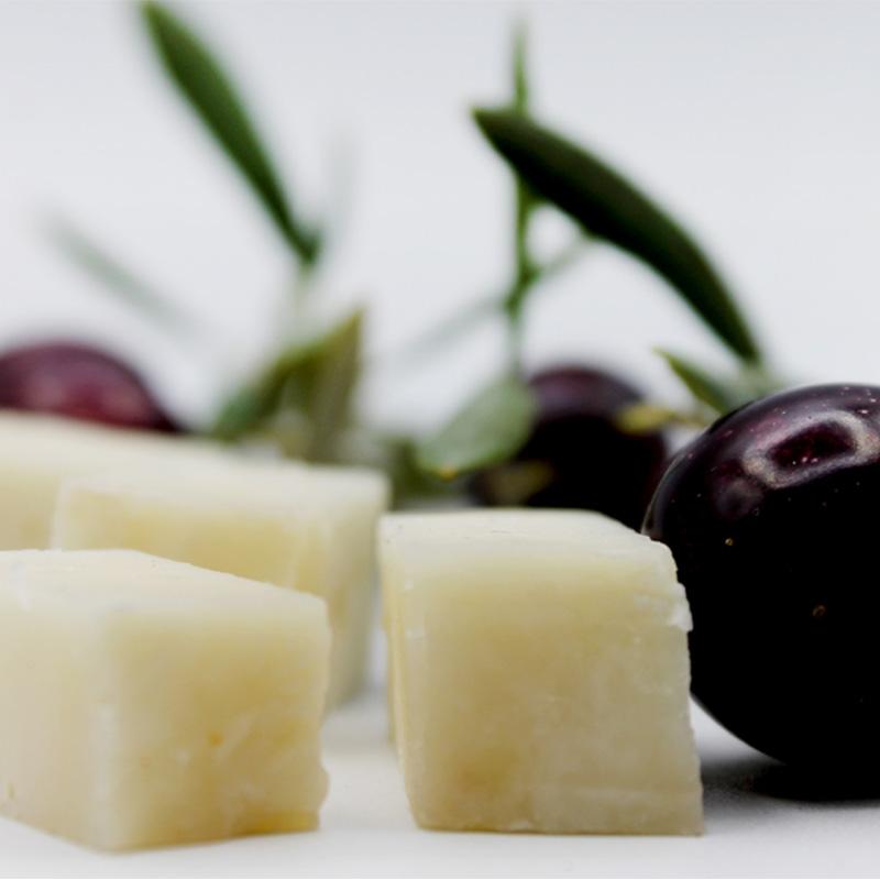 Queso de cabra en aceite de oliva